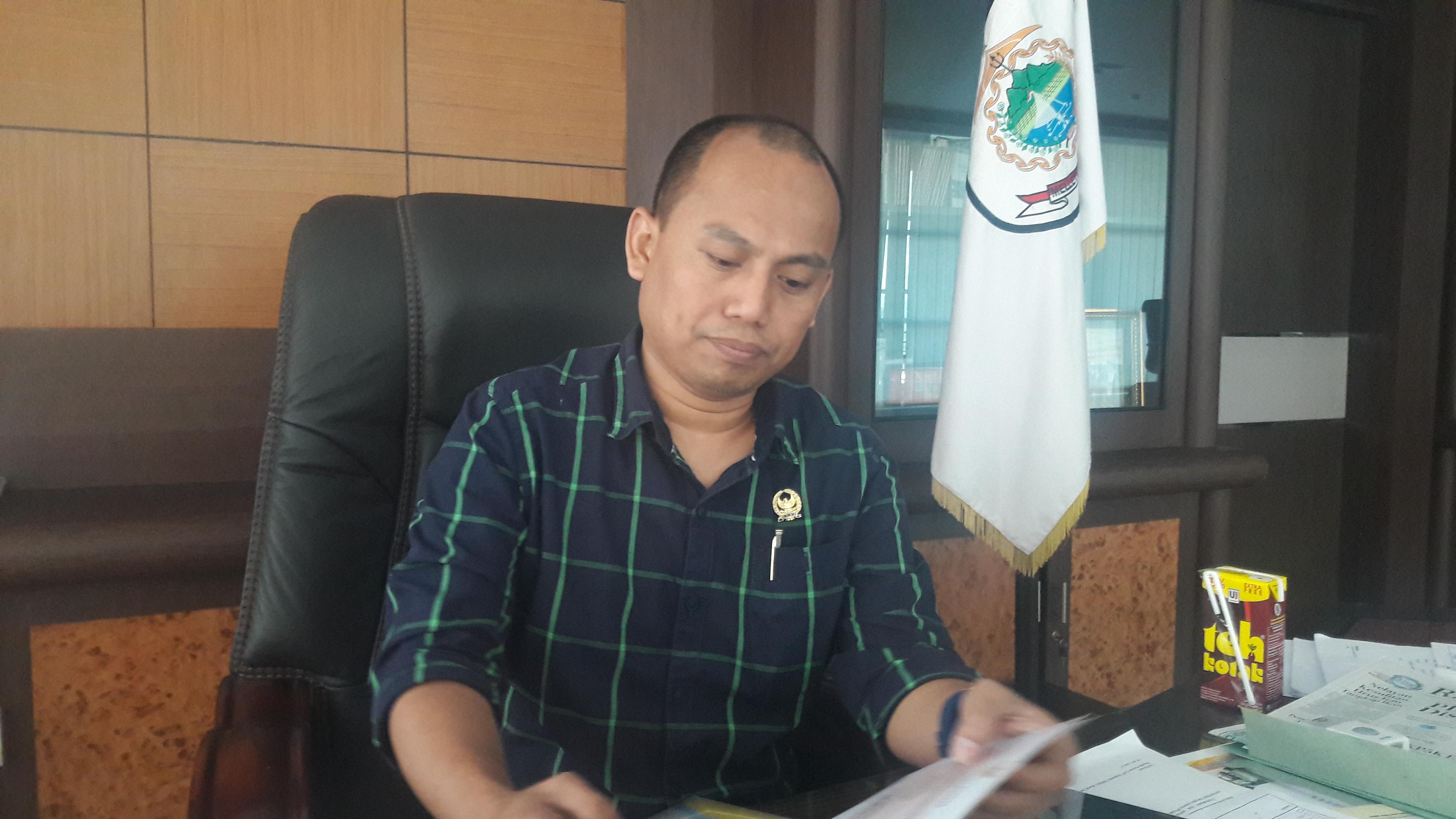 Resmi, Syamsul Samad Pimpin DPRD Sulbar