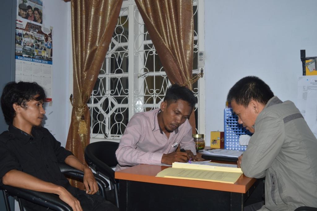 Mahasiswa Laporkan Kepala Desa Buku Ke Ombudsman Sulbar