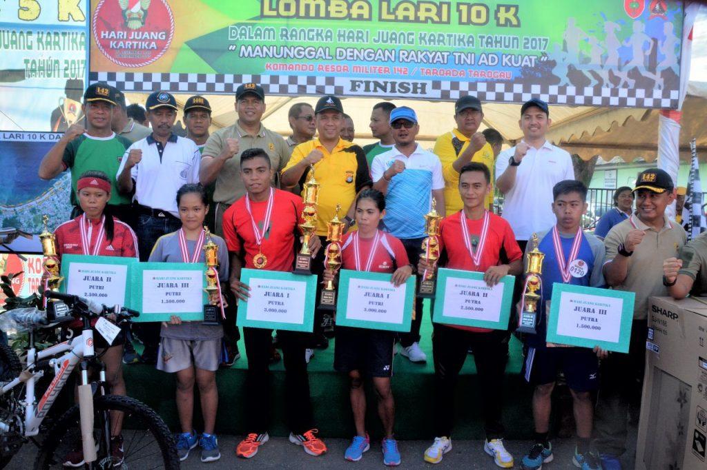 Ribuan Peserta Ikuti Lomba Lari 10 K Hari Juang Kartika Korem 142 Tatag
