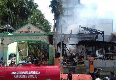 Diduga Akibat Arus Pendek, Api Hanguskan Kos-Kosan Di Jl.Ir Juanda Mamuju