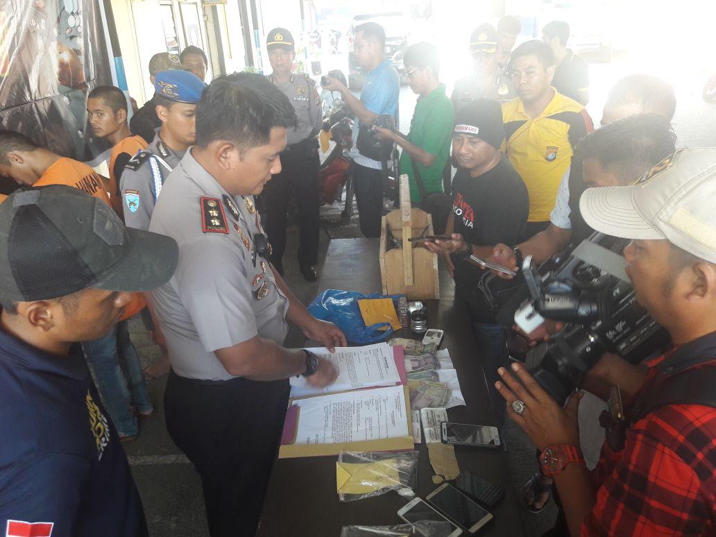 """Polres """"Metro"""" Mamuju Press Release Hasil Operasi Mandiri"""