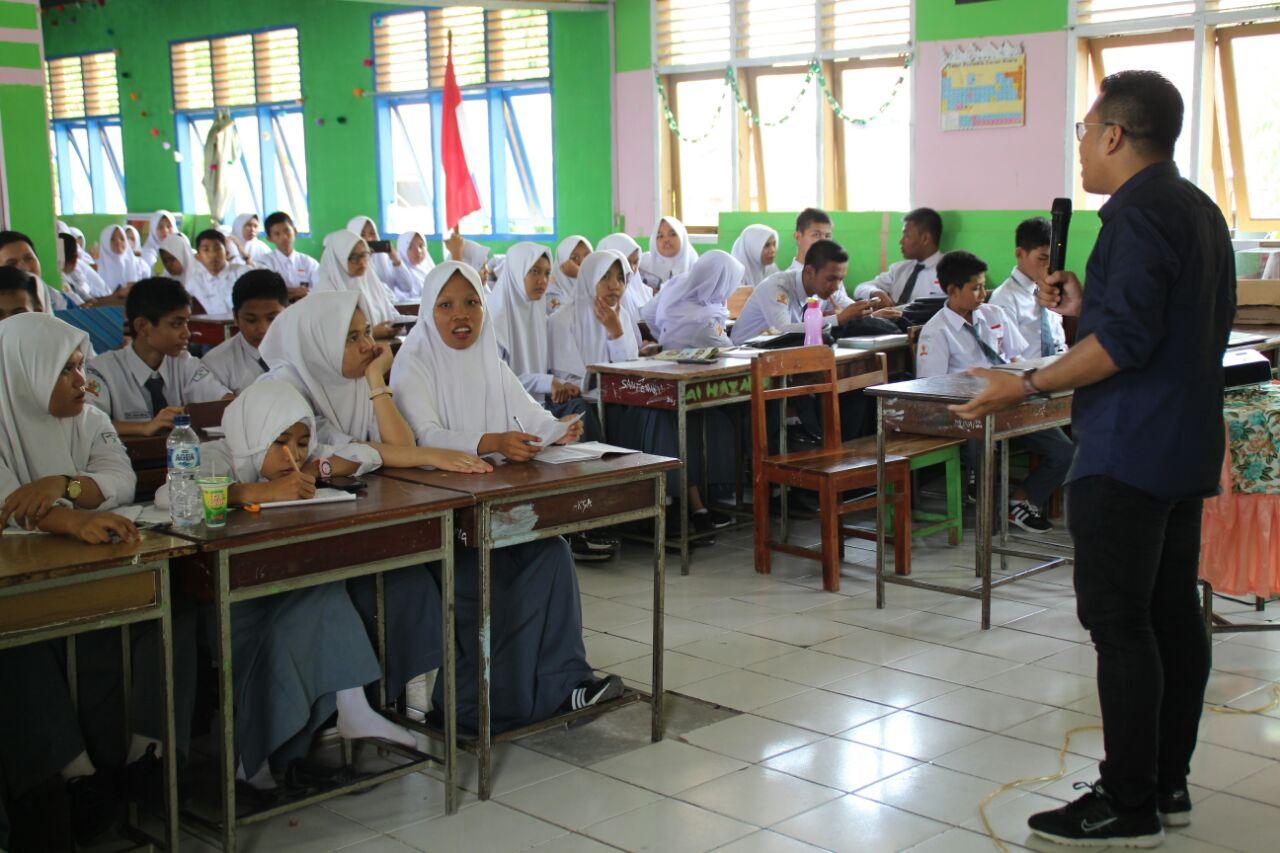 Ashari Mengajak Pelajar Melawan Hoax