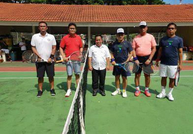 Dandim Dan Wakil Bupati Majene Tennis Bersama Pemda Barru