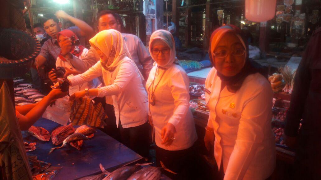 Pemprov Sulbar dan BPOM Di Mamuju Sidak di Pasar Tradisional Mamuju