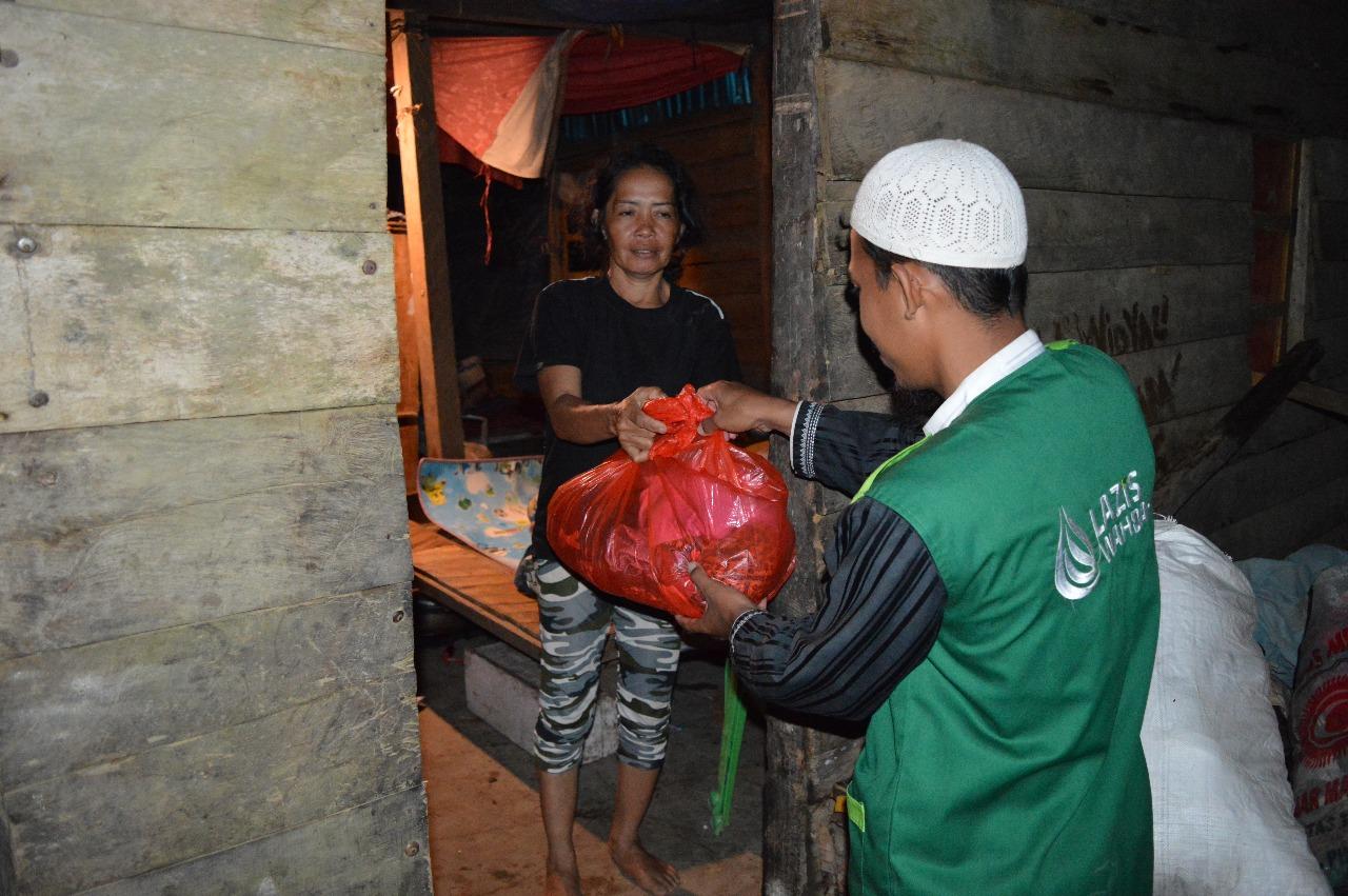 Lazis Wahdah Menembus Malam, Sasar Pemukiman Korban Banjir