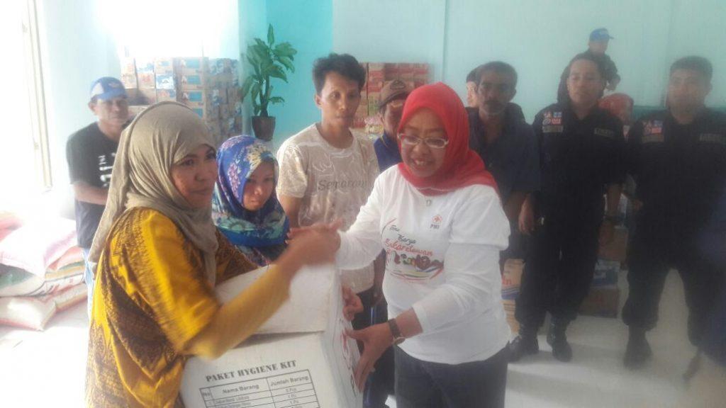 Wagub Sulbar Kunjungi Pengungsi Korban Banjir di Mamuju
