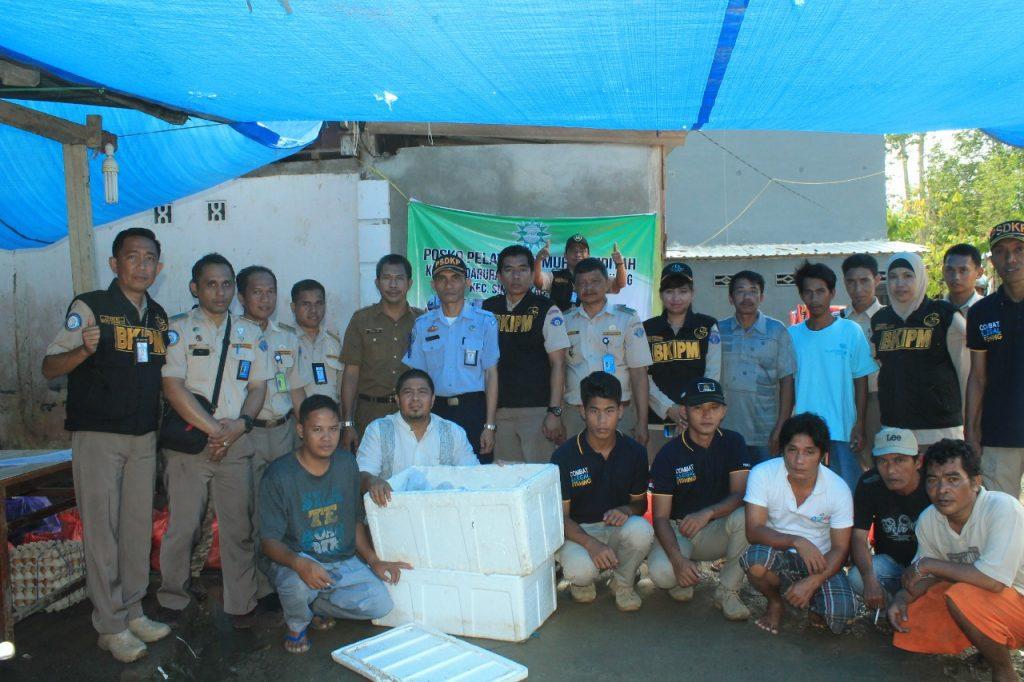 Peduli Korban Banjir SKIPM Mamuju dan Satwas PSDKP Salurkan Bantuan Kemanusiaan