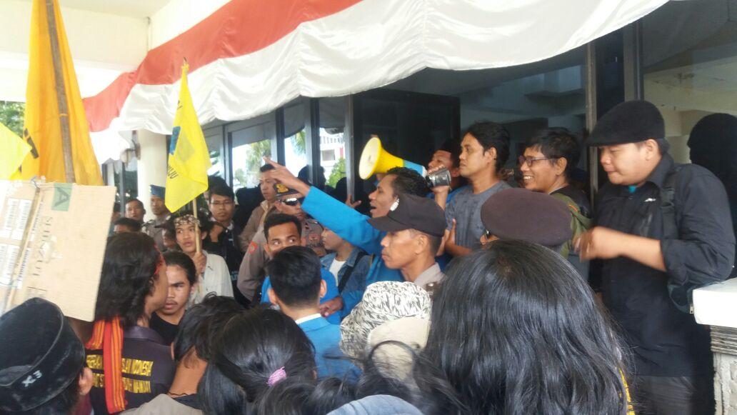 PMII dan Masyarakat Demo Terkait Banjir Bandang Mamuju