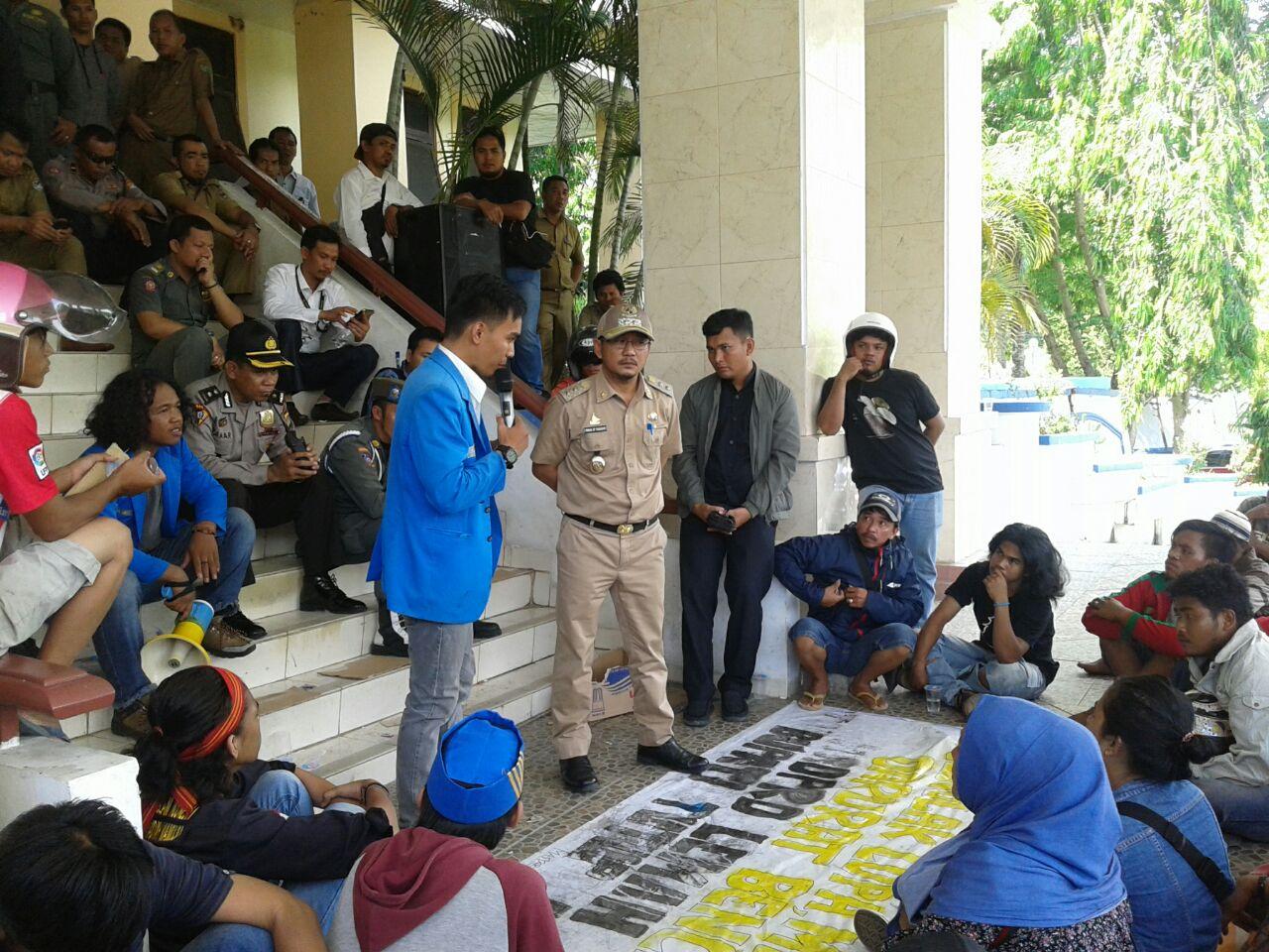 PMII sulbar dan Masyarakat Korban Banjir Pertanyakan Bantuan Menteri PMK dan Wakapolri.