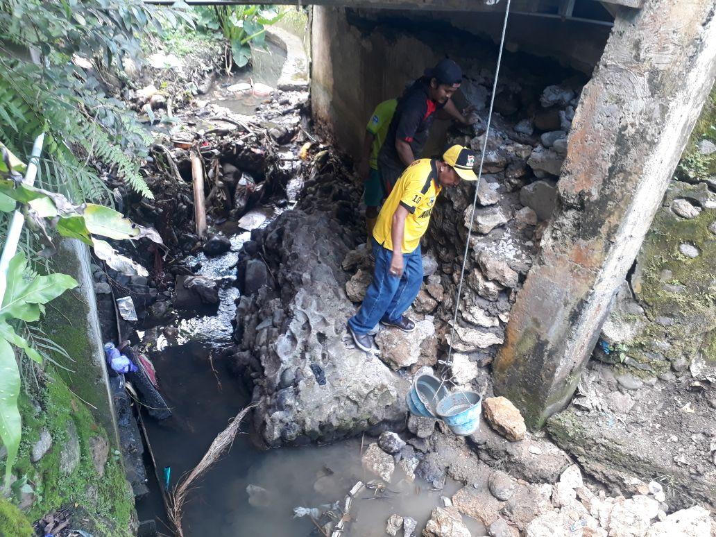 Jembatan Penghubung 3 Lingkungan di Binanga Terancam Ambruk