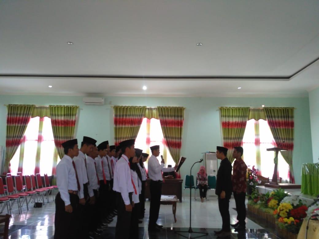 Panwaslu Mamuju Kukuhkan 18 Anggota Panwas Kelurahan dan Desa