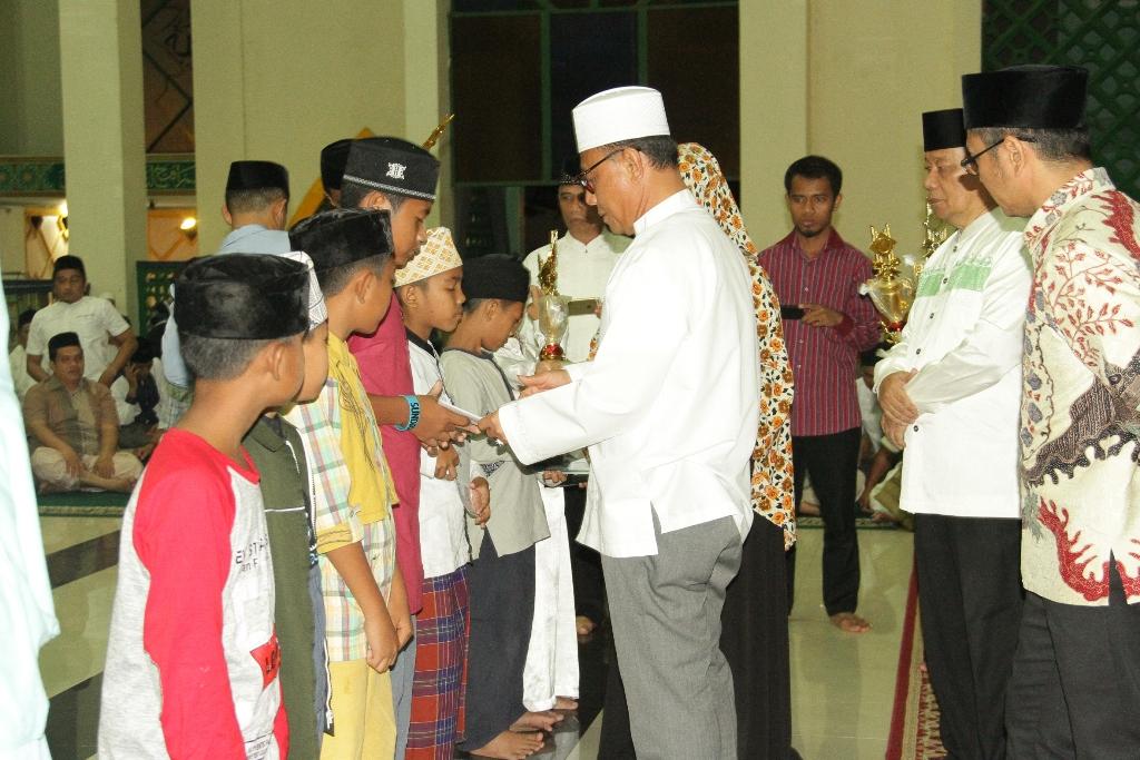 Sholat Subuh Berjamaah Bentuk Pemkab Maknai Isra' & Mi'raj
