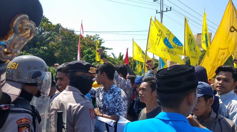 PMII Peringati Hari Jadi Sulbar dengan Aksi Refleksi Pembangunan