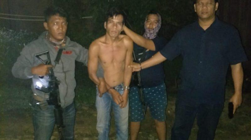 Polisi Ciduk Pelaku Saat Tertidur Pulas Bersama Istri