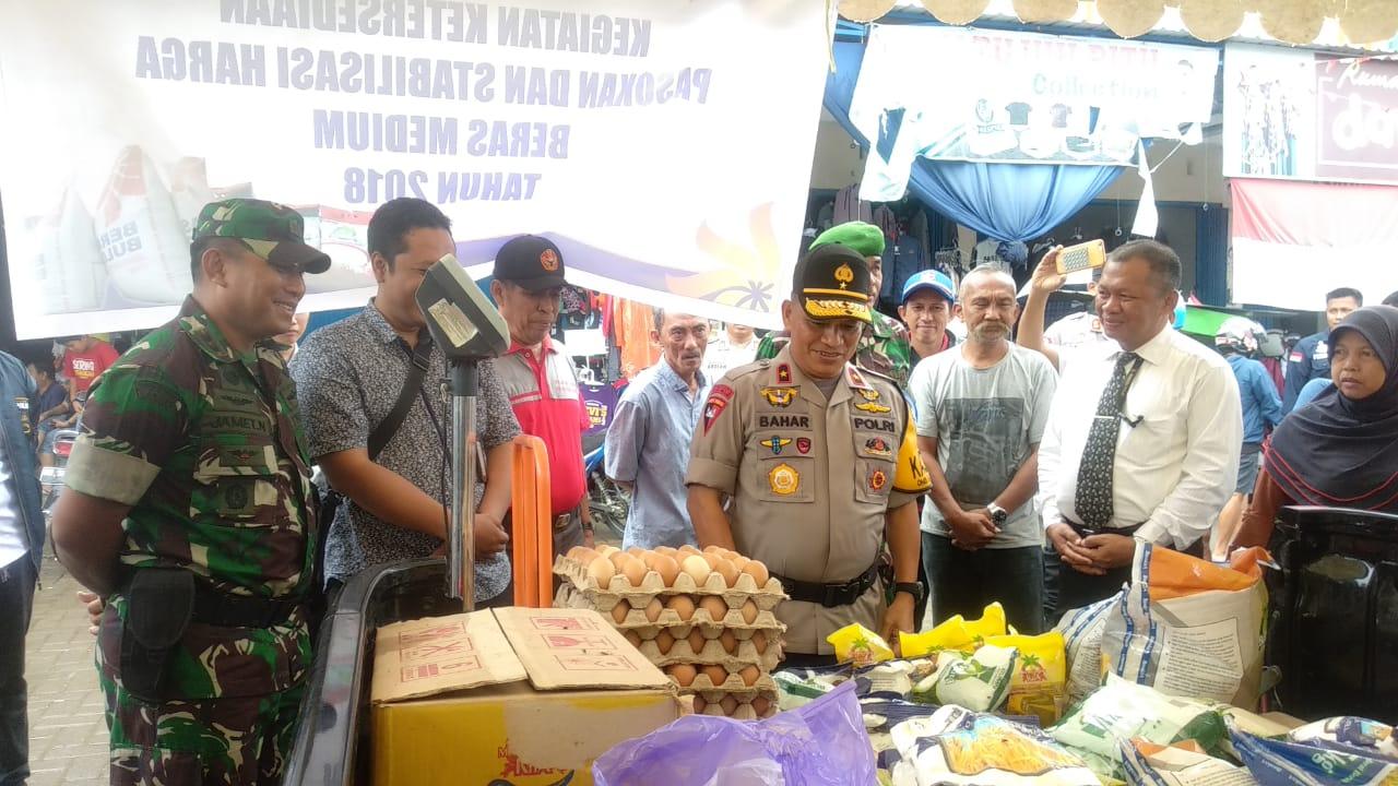 Kapolda Sidak di Pasar Sentral Mamuju, Harga Telur Naik