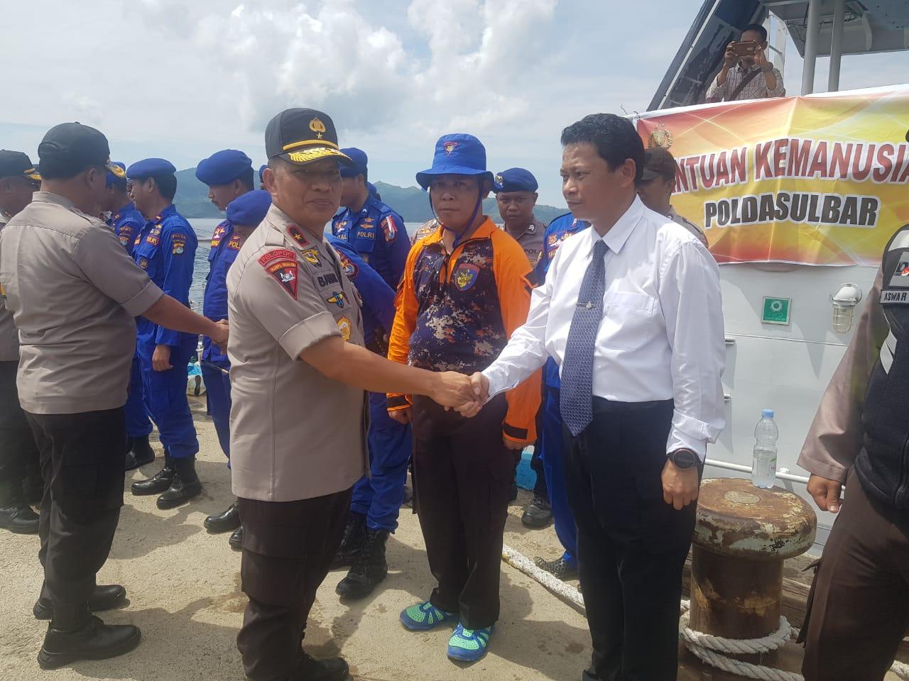 Polda Sulbar, Institusi Pertama Menyalurkan Bantuan Kemanusiaan ke Pulau Ambo