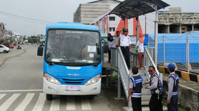 Pemkab Mamuju Siapkan 12 Bus Sekolah Bagi Siswa