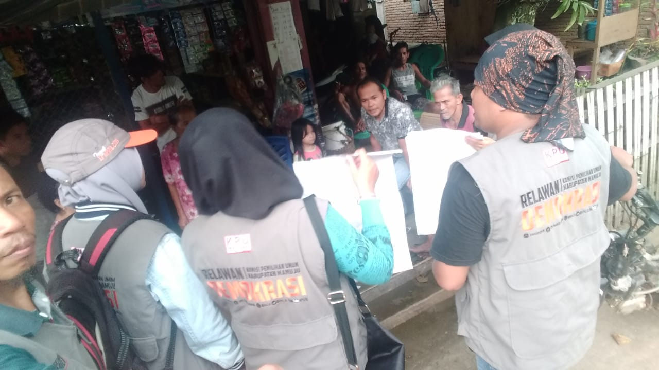 Relasi KPU Mamuju Sasar Sosialisasi Kepemiluan di daerah Pinggiran Kota