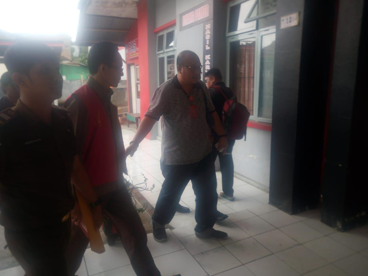 Sekretaris KPU Sulbar Resmi Ditahan