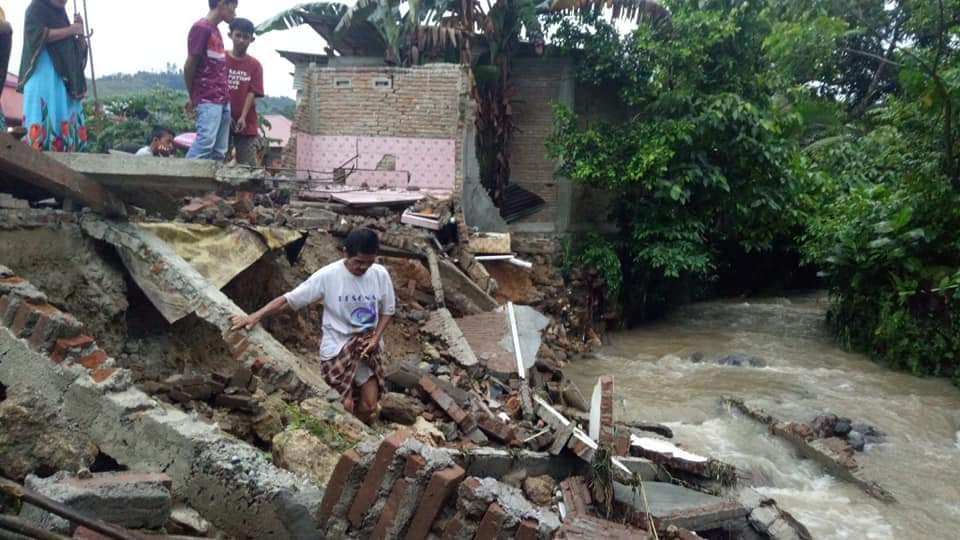 Banjir Mamuju, Satu Unit Rumah Rata dengan Tanah