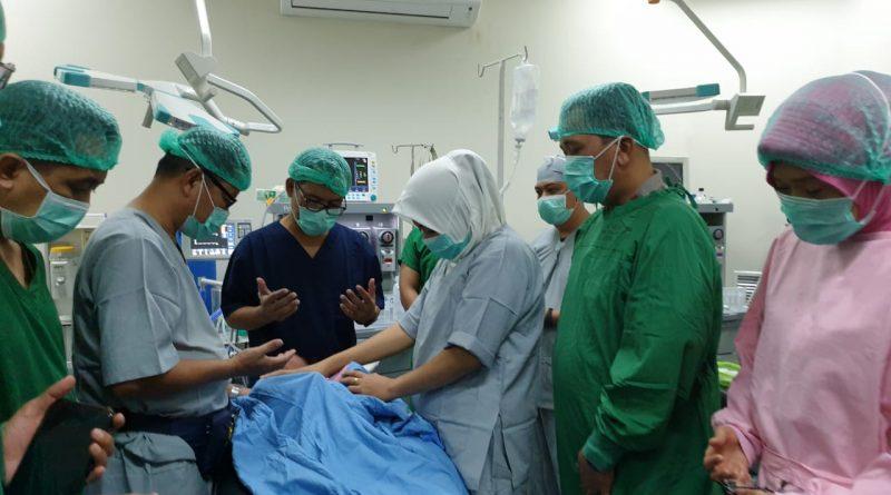 Hari Ini Polda Sulbar Lakukan Operasi Operasi Bibir Sumbing Gratis