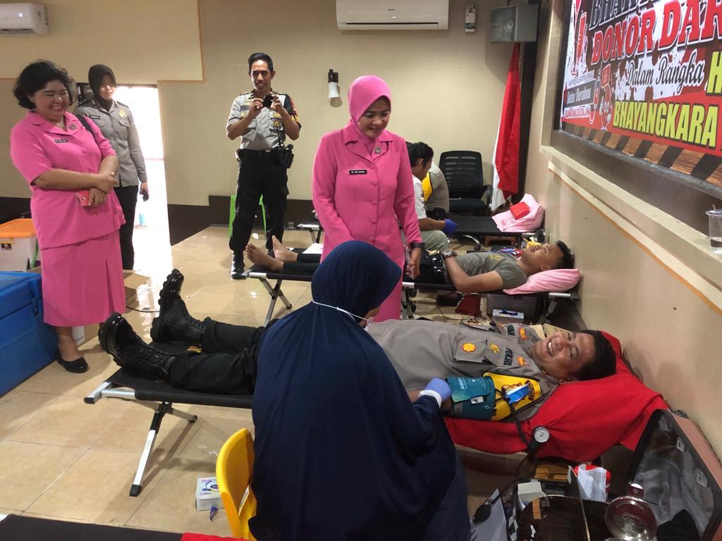 Donor Darah Semarakkan Hari Bhayangkara di Polres Mamuju