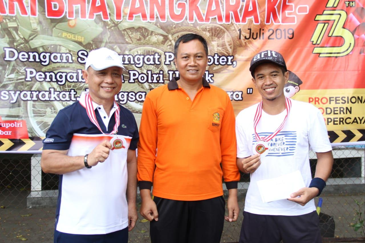 Bupati Mamuju Juarai Tournament Tenis Hut Bhayangkara