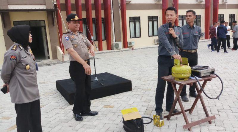 Personil Polda Sulbar Ikuti Sosialisasi Pemasangan Tabung Gas yang Benar.