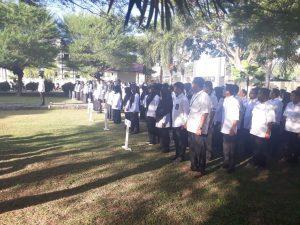 Kapolda Sulbar Pimpin Upacara Bendera di Kanwil Kemenag Sulbar.