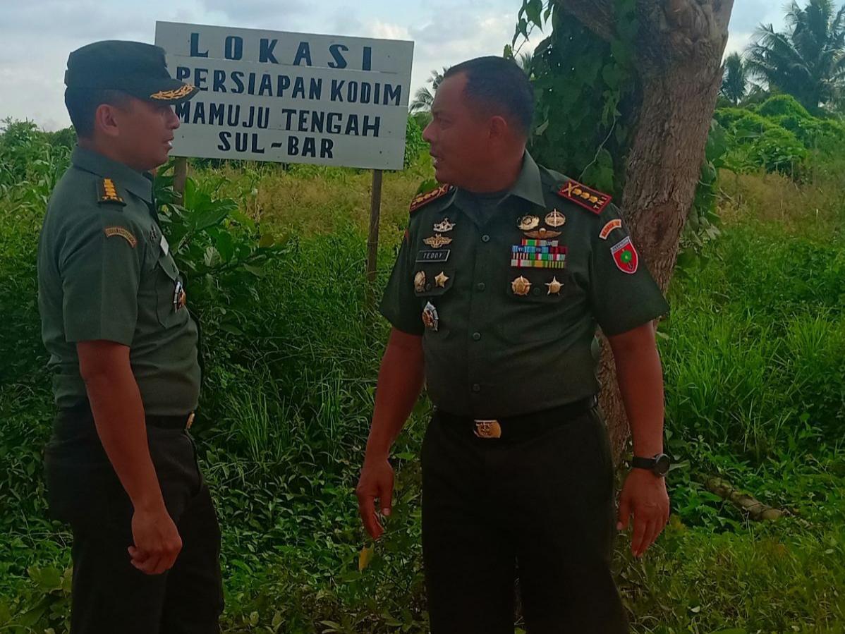 Danrem 142/Tatag Bersama Aslog Kasdam XIV/HSN Tinjau Lokasi Pembangunan Kodim