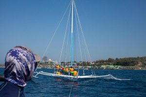 Sea Rider Beri Bantuan Keperahu Sandeq Bintang Timur
