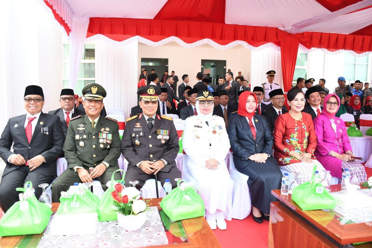 Kapolda Sulbar Hadiri Upacara Hari Kemerdekaan RI KE-74 Di Kantor Gubernur Sulawesi Barat