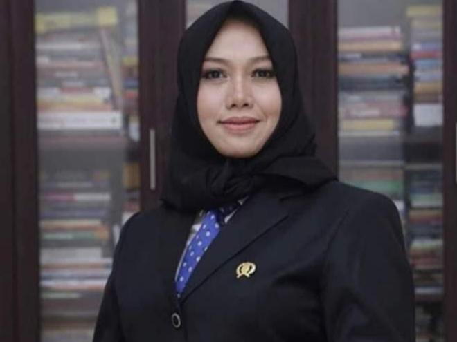 Lengser Sebagai Ketua DPRD, Amelia Tatap Pilkada