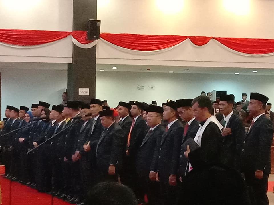 45 Anggota DPRD Sulbar 2019 - 2024 di Lantik