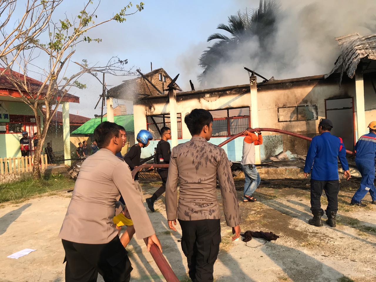 Gedung Madrasyah Aliyah Amaliah Guppi Terbakar