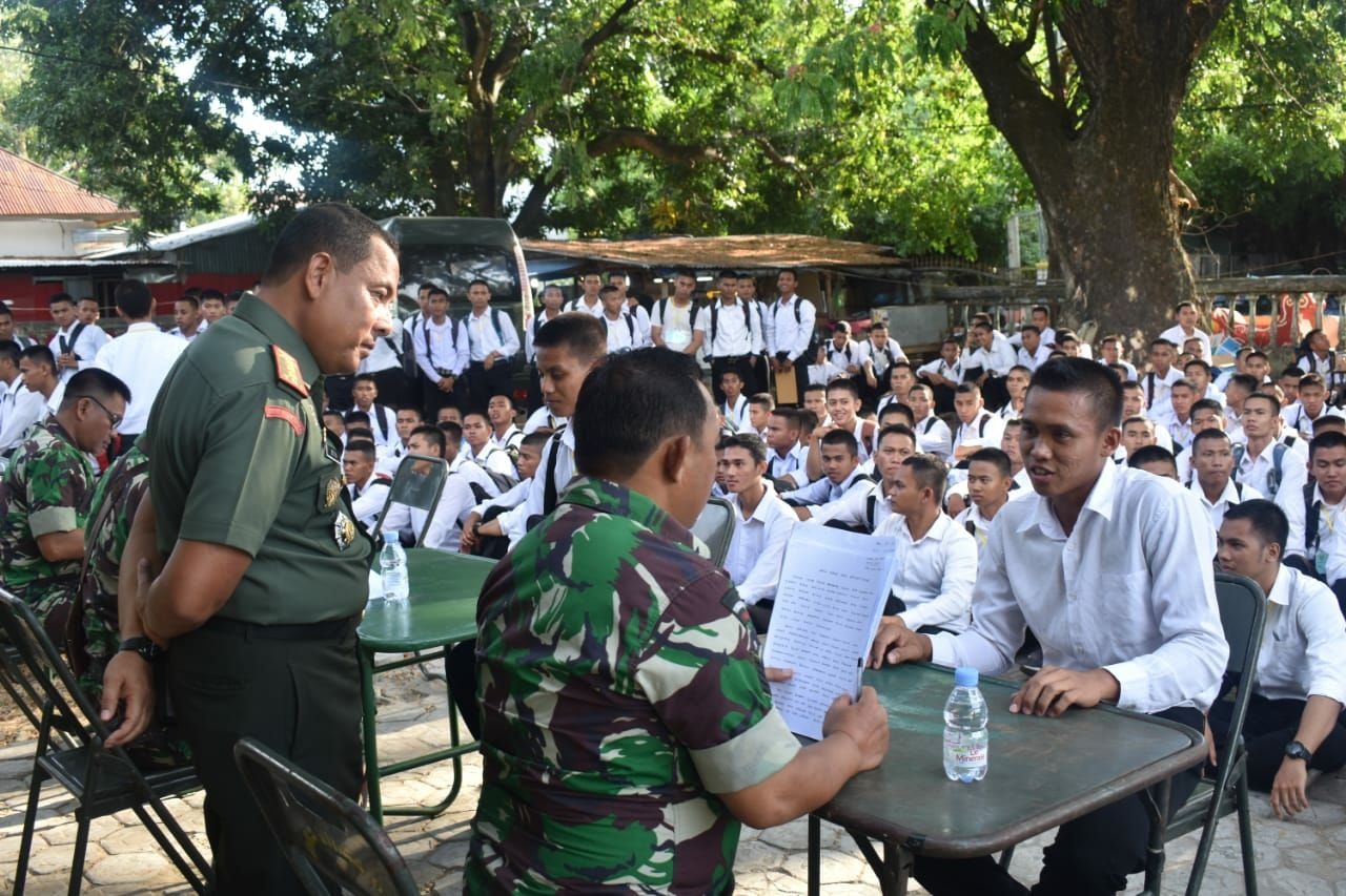 Danrem 142 Tatag Pantau Tes Bahasa Daerah Seleksi Secapa PK TNI AD