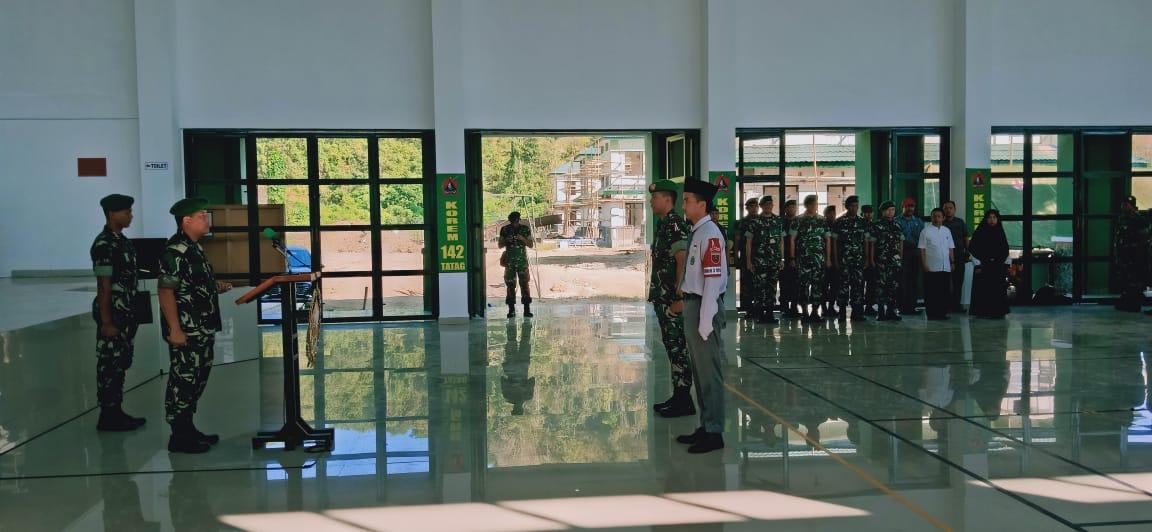 Sambut HUT TNI Ke 74 Korem 142/Ttg Gelar Baris Berbaris