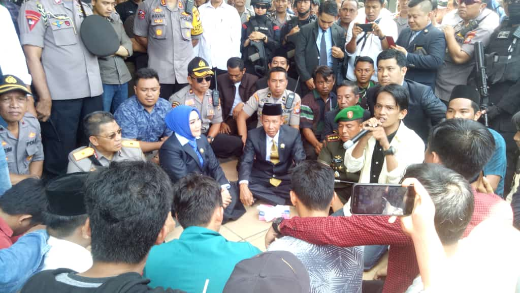 Begini Tanggapan Ketua DPRD Provinsi Sulbar Terkait Tuntutan Massa Aksi