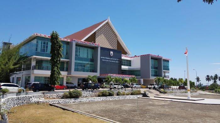 Pelantikan Anggota DPRD Sulbar Masih Menunggu SK Kementrian