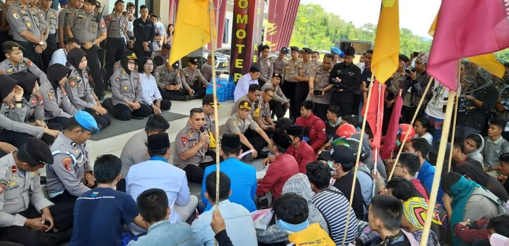 Kapolda Sulbar; Tuntutan Massa Aksi Akan Disampaikan ke Pusat