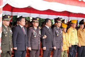 Kapolda Sulbar Hadiri Upacara HUT TNI di Makorem 142 Tatag*