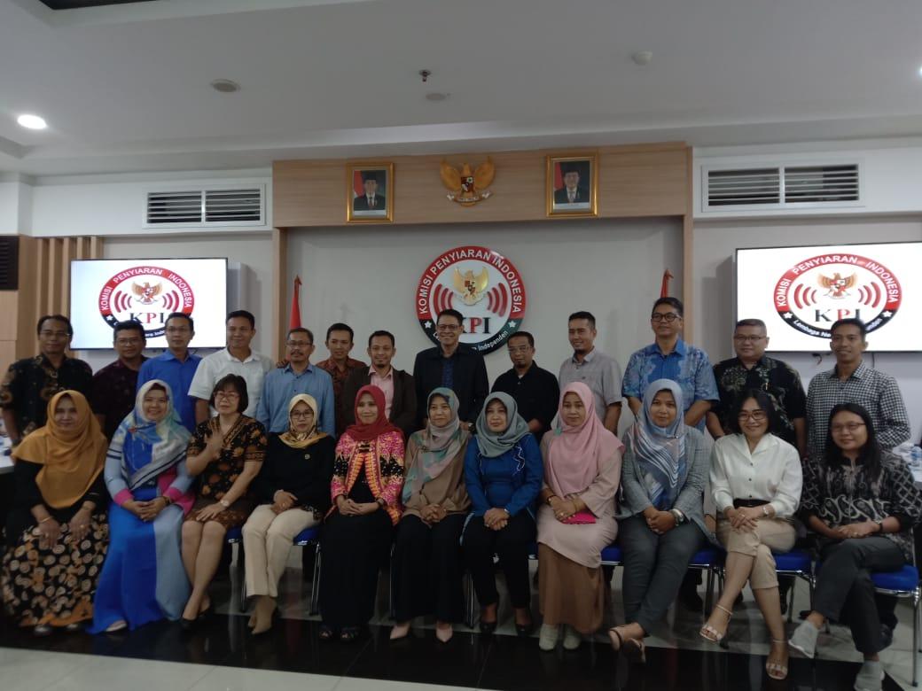 KPI Pusat danDaerah Bahas Isu Krusial Pengawasan Isi Siaran