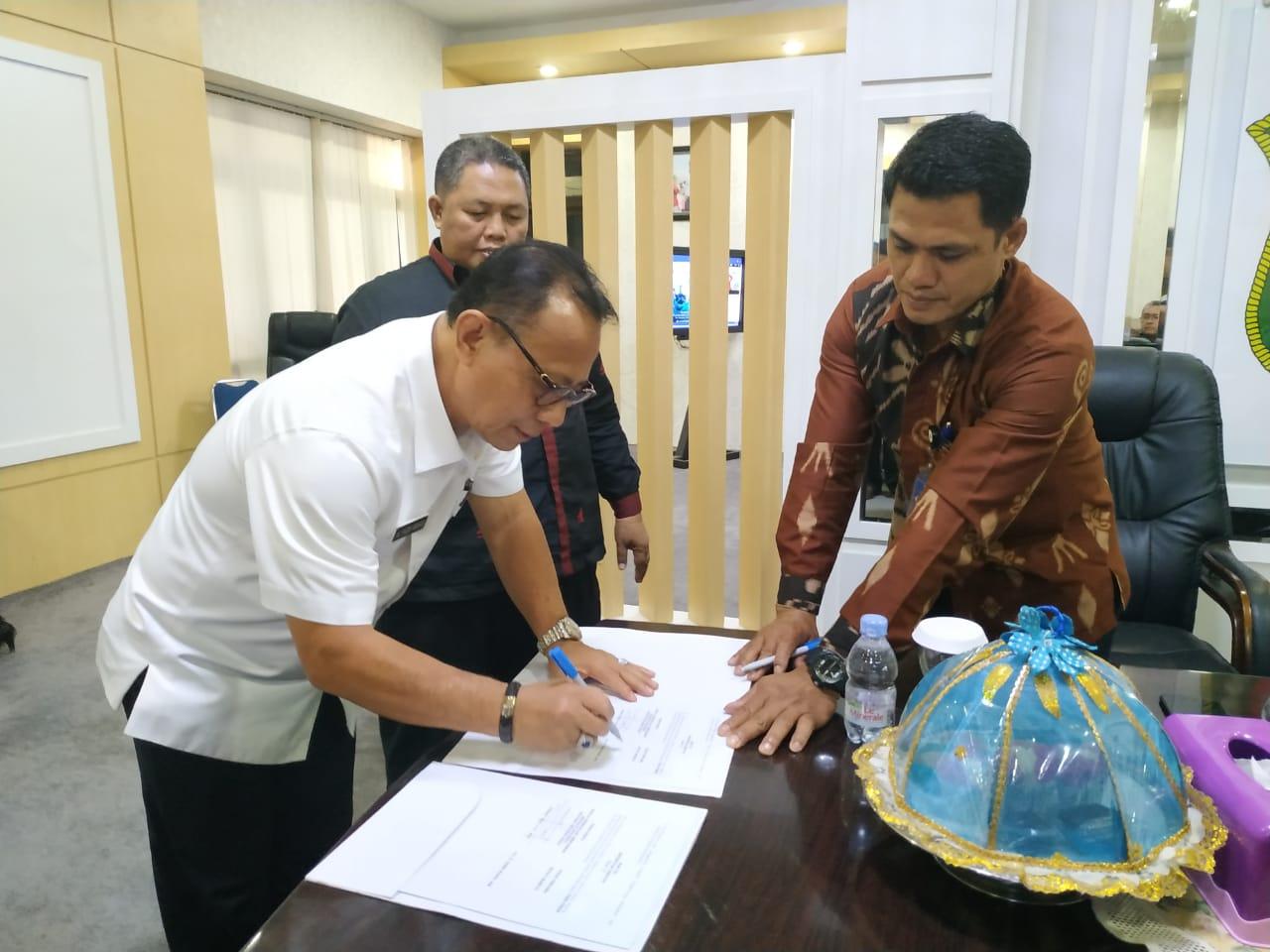 Pemkab  dan Ombudsman Teken Perpanjangan MOU Tindak Lanjut Aduan Masyarakat