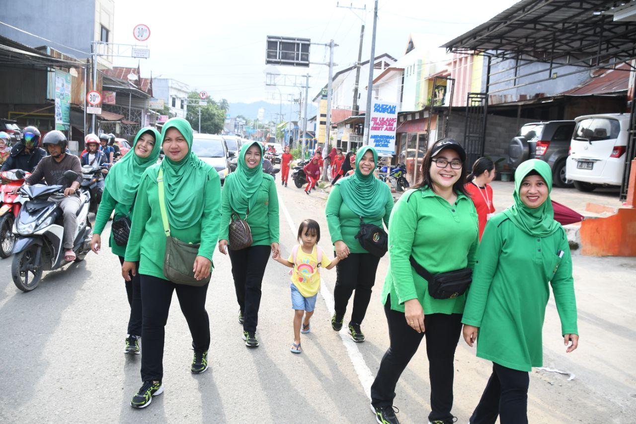 Persit KCK Koorcabrem 142 Tatag, Ikut jalan santai Di Hari Kesatuan Gerak Bhayangkari