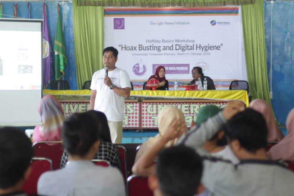 Mencegah Penyebaran Hoax, AJI Kota Mandar Gelar Halfday Basics Workshop Hoax Busting And Digital Hygiene