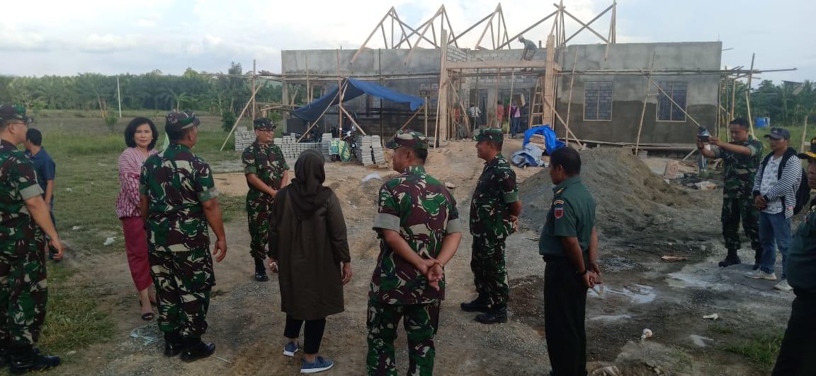 Pangdam XIV/HSN Tinjau Pembangunan Kantor Koramil Topoyo