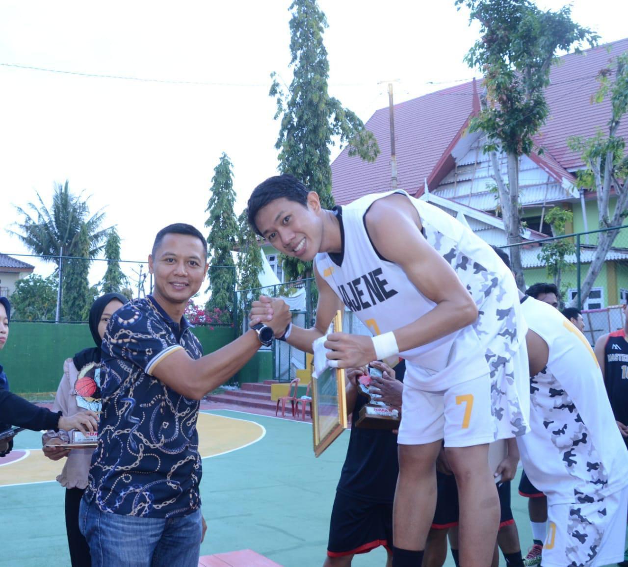 Pertandngan Bola Basket Dandim Cup III di Tutup