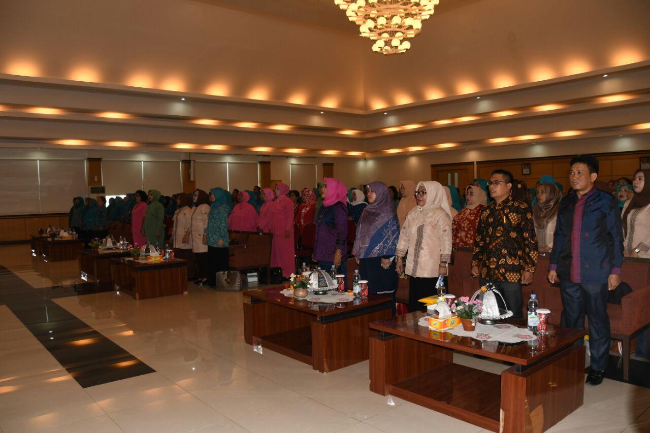 Persit KCK Koorcab Rem 142 Hadiri Seminar BKKBN