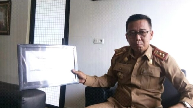 Safaruddin Sunusi Raih Penghargaan Peduli Lingkungan