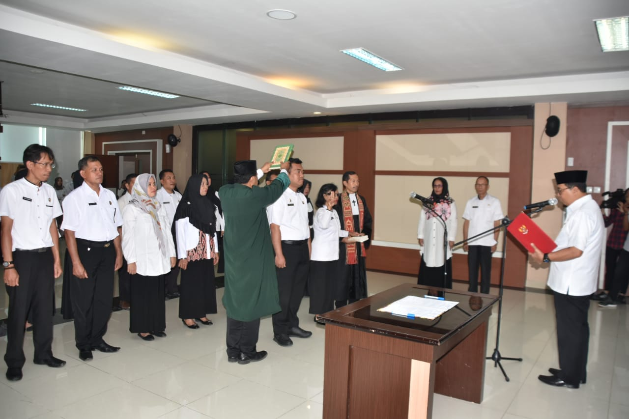 Muh Idris DP Lantik 27 Pejabat Pemprov Sulbar